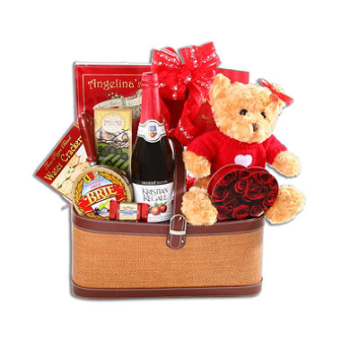 Get a Romantic Picnic Basket for Two for $48.78
