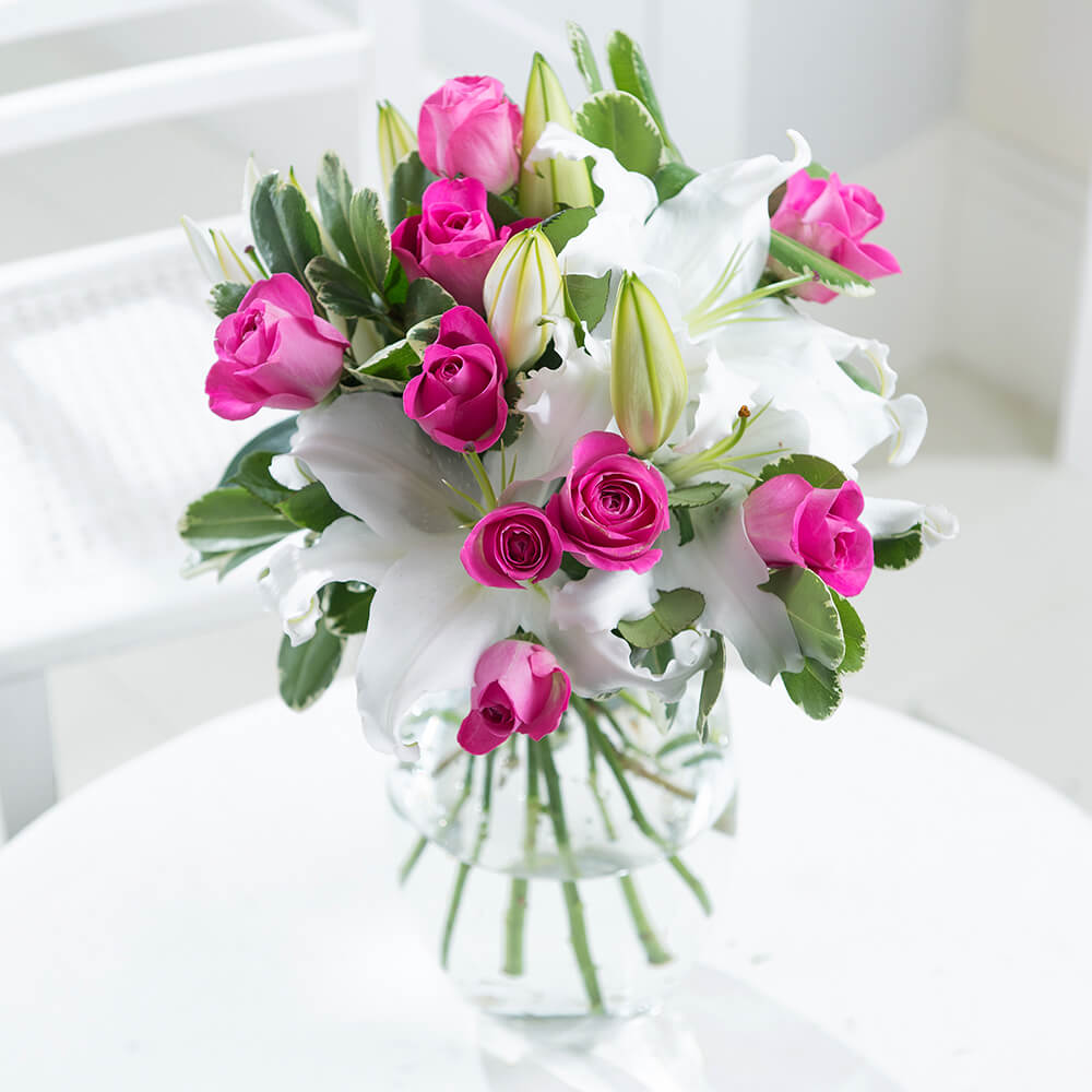 The Flower Store is a complete online flower shop offering quick delivery anywhere in UAE. Send beautiful fresh flowers to create special memories!
